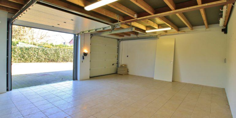 13.garage